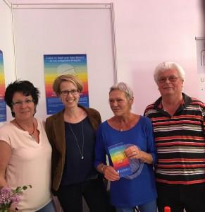 Ein Teil der Mitglieder beim 33. Tag der Selbsthilfegruppen in Frankfurt